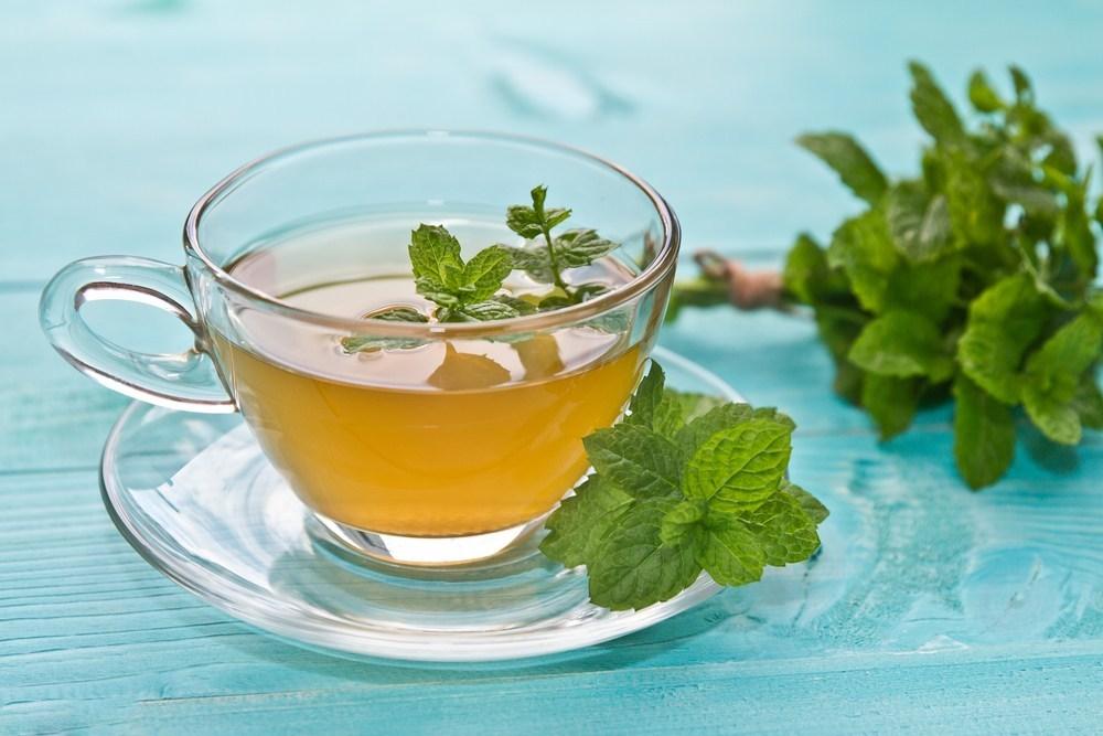 ceaiul-de-menta-si-beneficiile-lui