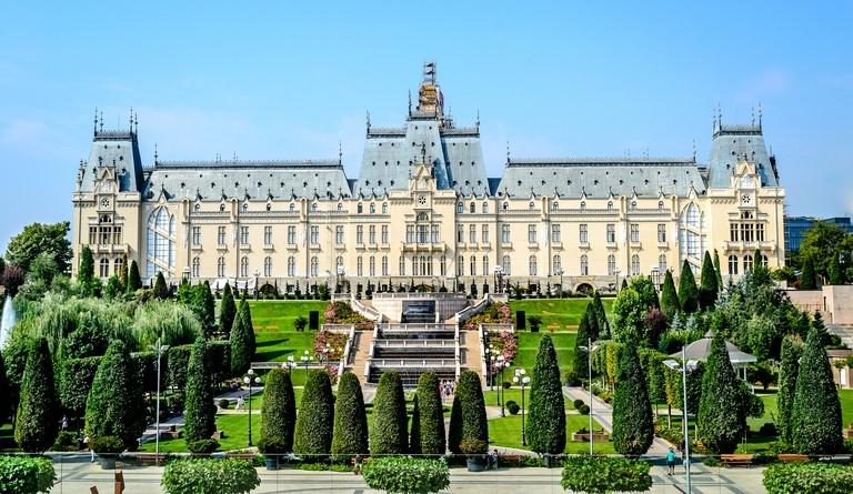 Cele-mai-fascinante-locuri-de-vazut-in-Romania